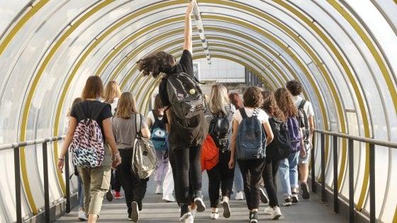 Bologna, il primo giorno di scuola: ecco come è andata