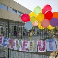 Dalla scuola in Fiera alle lezioni all'aperto dei bambini: scatti dal primo giorno