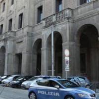 Bologna, assembramenti sulle panchine: multa da 400 euro a otto ragazzi