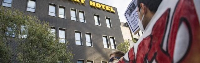 Corteo contro lo Student Hotel di via Fioravanti