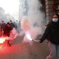 Student Hotel, scontri polizia-collettivi