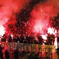 Bologna, in duecento contro le chiusure anti-Covid