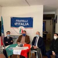 """Reggio Emilia, multe per assembramento alla conferenza stampa di Fdi. Meloni: """"Abuso..."""