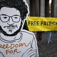 Patrick Zaki, altri 45 giorni di carcere. Amnesty: