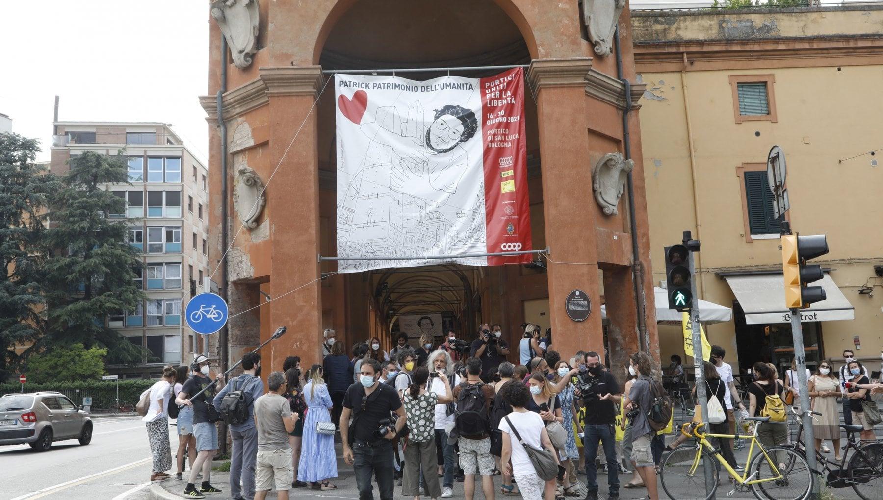 """185025447 48cf1d72 1732 4531 9dc4 f39ec77d5a3e - Patrick Zaki compie 30 anni in carcere, coro unanime da Bologna: """"Il Governo si muova"""""""