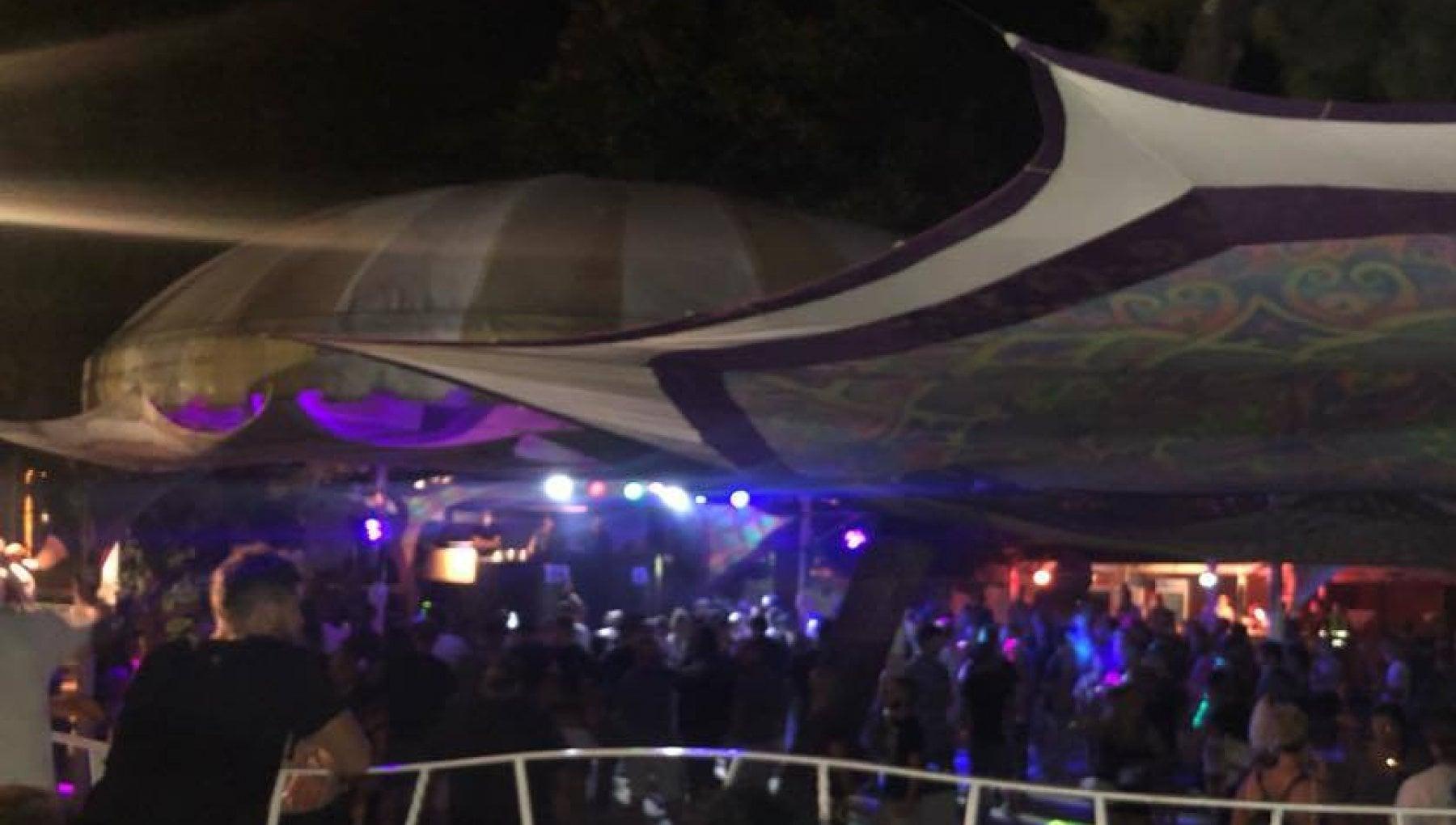151304994 94762704 94cf 42f7 b220 be95c97eb5db - Feste non autorizzate in Riviera. In mille a ballare: chiusa una discoteca a Rimini
