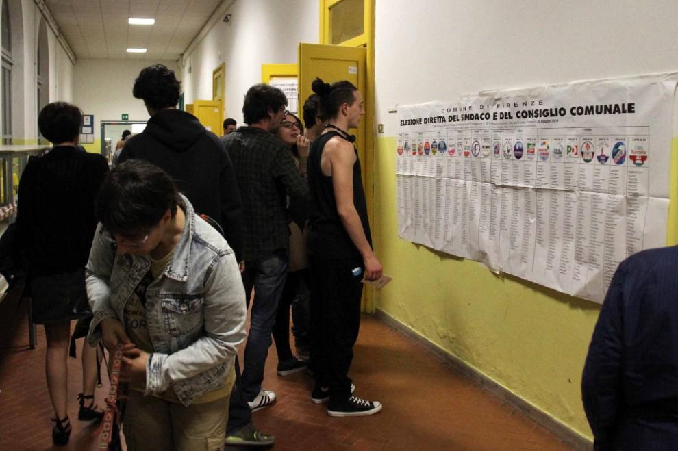 Nei seggi poco prima della chiusura