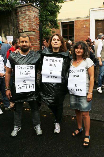 """""""Docente usa e getta"""", la protesta dei precari"""