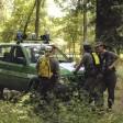 Appicca il fuoco nel bosco durante un'operazione antidroga