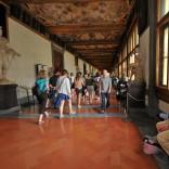 Malore agli Uffizi, una turista salvata dal 118