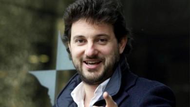 Rossi appello ad attori e cantanti  per aiutare la costa Toscana