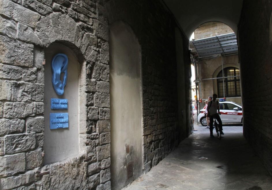 Firenze le finestre murate diventano opere d 39 arte 1 di 11 firenze - Finestre firenze ...