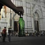 Movida, svolta anti alcolici Nardella firma due ordinanze