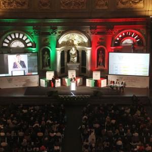 """Il ministro Giannini: """"Docenti ad hoc per insegnare l'italiano ai bambini figli di immigrati"""""""