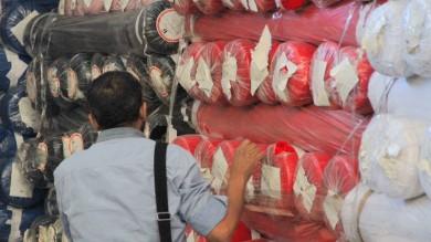Le stoffe sequestrate ai cinesi all'asta: vendute per 2 milioni /  ft