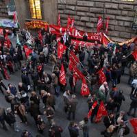 Ast, il presidio a Firenze dopo gli scontri di Roma. Scioperi e proteste in Toscana