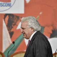 """Le reazioni al caso Verdini, Civati: """"Via dal tavolo riforme"""""""