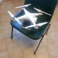 Drone plana vicino al consolato americano: scattano i controlli