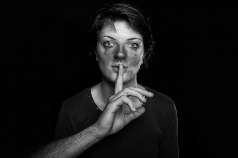 """Again(st) women"", stop alla violenza sulle donne"