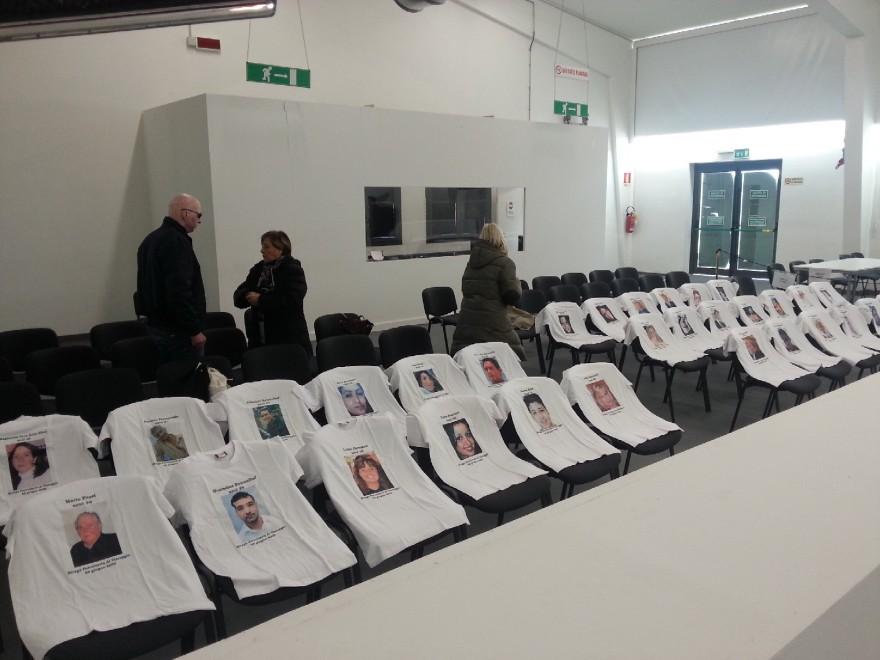 Processo per la strage di Viareggio: sulle sedie vuote i volti delle 32 vittime