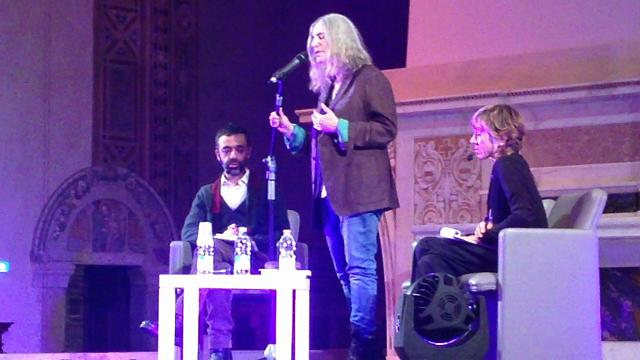 Sorpresa Patti Smith canta dal vivo Mercy is