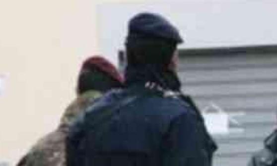 Torna la rapina con siringa, in fuga con 400 euro