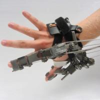 """Sensori e robot indossabili: la sfida del S.Anna per """"invecchiare meglio"""""""