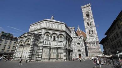 E Firenze salva il Battistero/  Foto    facendo spesa al supermercato