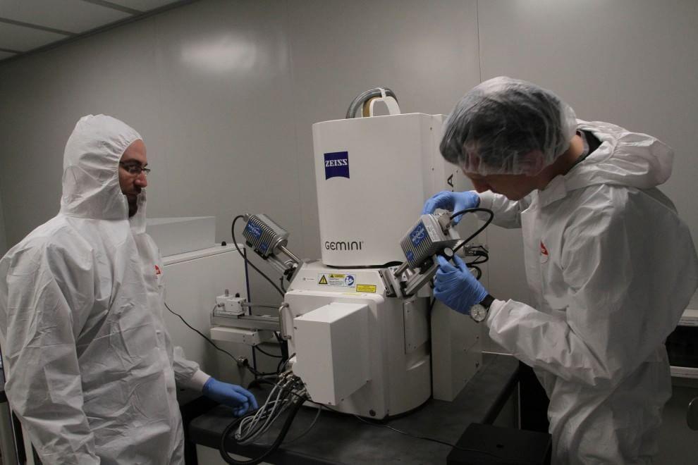 """Nei laboratori del Nest, dove le radiazioni """"buone"""" curano e trovano bombe"""
