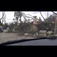 Cassonetti sulle strade e alberi sradicati: Mugello in emergenza