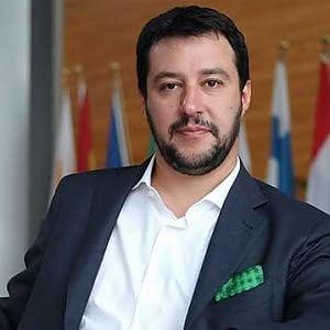 """Salvini a Siena: """"Pronti a occupare le sedi Mps"""""""