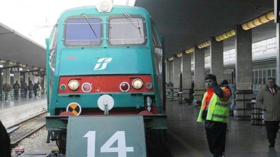 Donna Travolta Dal Treno Alla Stazione Di Arezzo