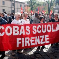 Scuola, a Firenze gli insegnanti dei Cobas in piazza contro la riforma