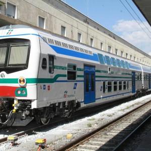"""Arriva il caldo, i pendolari: """"Sui treni con i finestrini blindati si viaggia a 38 gradi"""""""