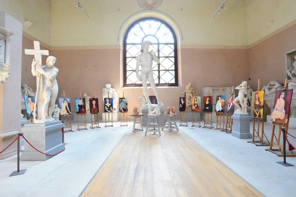 Porta romana sculture dipinti un anno d 39 arte per gli - Porta romana spa ...