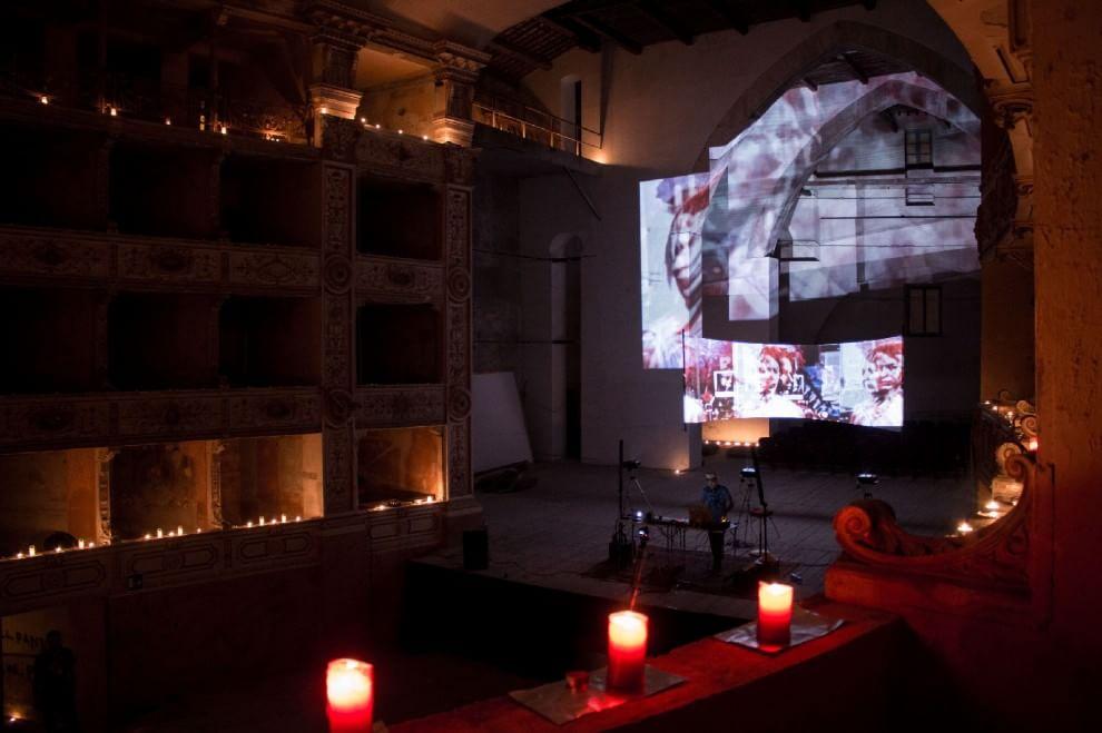 "Pisa, Teatro Rossi Aperto ""acceso"" per la sua prima Luminara"