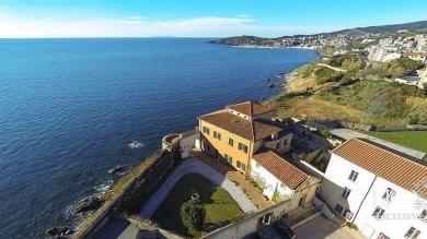 A Piombino è in vendita la fortezza progettata da Leonardo- Foto