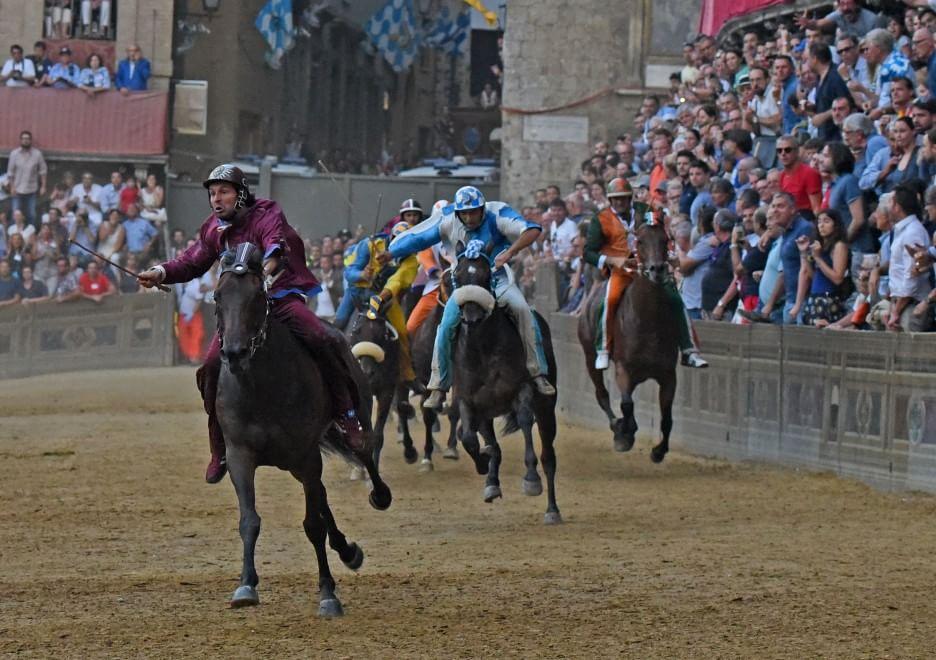 Palio di Siena, la vittoria della Torre