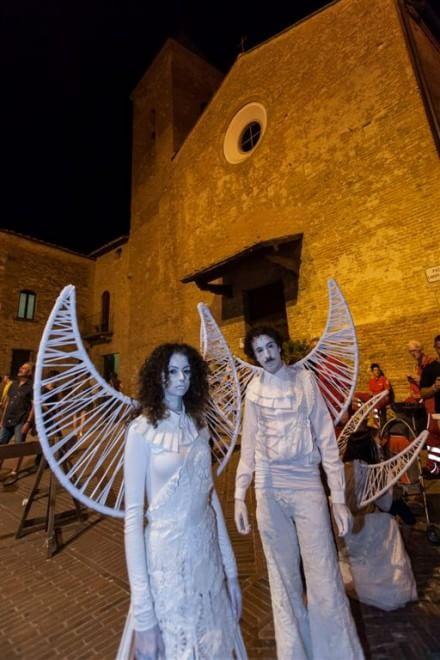 Mercantia, la prima notte del festival fra mille sorprese