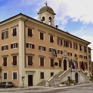 """Livorno, sentenza Cassazione: """"Le scuole religiose devono pagare la tassa sugli immobili"""""""