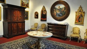 A Tuscan Show for Antiques and Design