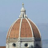 Scrivono sulla Cupola  del Duomo, multati cinque minorenni svizzeri