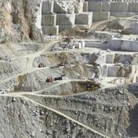 Carrara, precipita in cava: muore un operaio