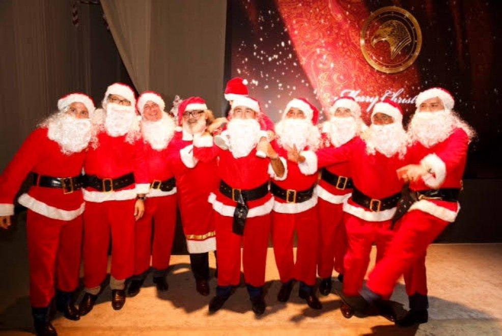 Immagini Feste Di Natale.Alla Leopolda La Festa Di Natale Di Stefano Ricci 1 Di 1