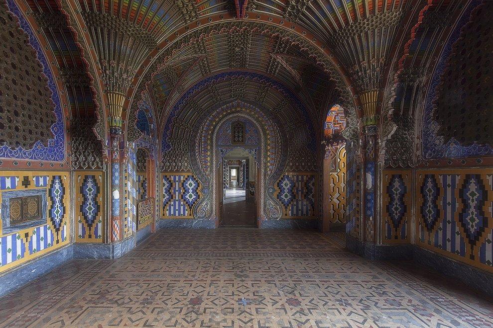 La bellezza geometrica del castello di Sammezzano: ma la struttura è abbandonata
