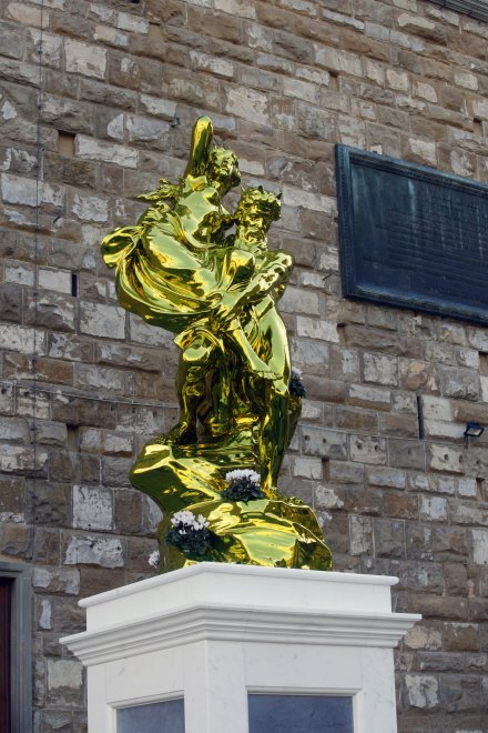 Firenze, Jeff Koons affianca il David in piazza della Signoria