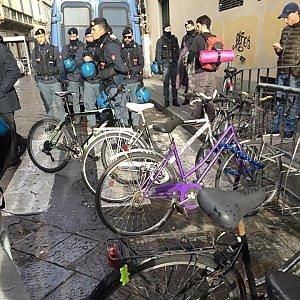 Liceo Alberti di Firenze sgomberato dalla polizia, 50 denunce