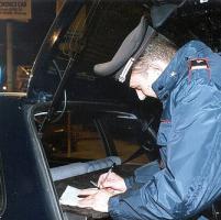 Ruba le offerte in chiesa, i carabinieri si appostano e lo arrestano