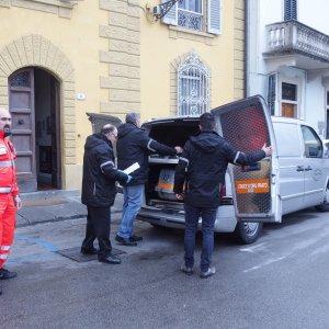 Prato, sfrattato dalla curia, si suicida nel chiostro della chiesa