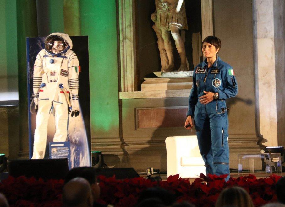 """Firenze, AstroSamantha incontra gli studenti: """"Vi racconto il mio viaggio nello spazio"""""""